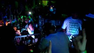 Emalkay - When I Look at You - Live at Gettin Busy