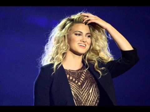 Tori Kelly - Should've Been Us (MTV VMA 2015) Live