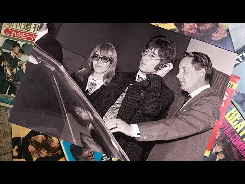 ♫ John Lennon and Cynthia at the Motor Show in Earls Court 1967 /photos