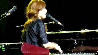 Tori Amos - Your Ghost (live in Moscow) 02.10.2011