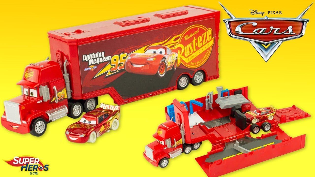 Disney Pixar Cars Super Piste Mack Playset