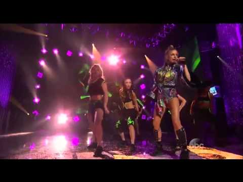 Fergie - L.A.LOVE (la la) (Live @ New...