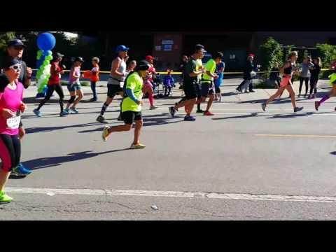 Elizabeth and Johanna Chicago Marathon 2016