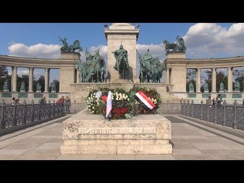 Walking Tour/Gyalogtúra: Heroes' Square / Hősök tere, Budapest, Hungary / Magyarország