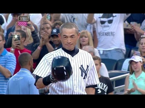 Ichiro singles for his 4,000th base hit between two leagues