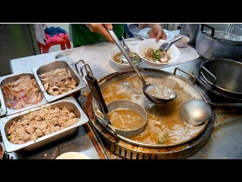 CHINATOWN BANGKOK STREET FOOD TOUR - Amazing Yaowarat food | Food and Travel Channel | Thailand