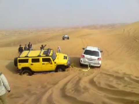 Arabian Offroad Academy – Land Cruiser rescues Hummer H2