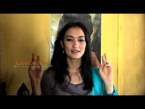 Main Film Ala Bollywood, Atiqah Hasiholan Hobi Nonton India