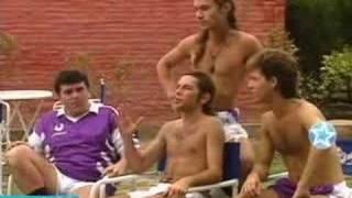 Diego maradona en la banda del golden rocket jugando al papi (adrian suar)