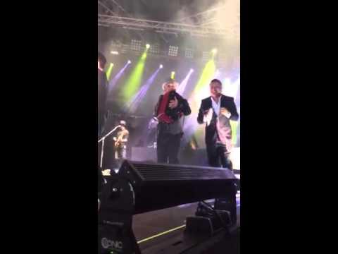 Video de Fonseca cantando junto a Rafael Santos, hijo de Diomedes Díaz