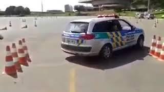 Как быстро выехать если на парковке зажали. Лайфхак для водителей 😉