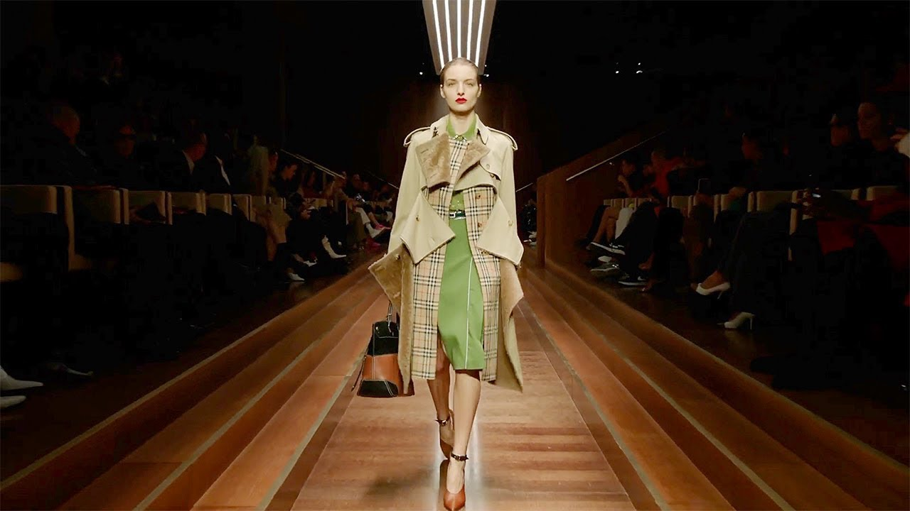 [VIDEO] - Burberry   Fall Winter 2019/2020 Full Fashion Show   Exclusive 5
