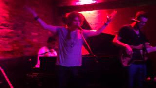 Andrew Watt covers Kanye West - Runaway at Rockwood Music Hall