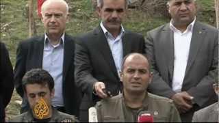 Kurdish group releases captive Turks