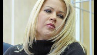 Заключённая Васильева разгуливает по скверам?