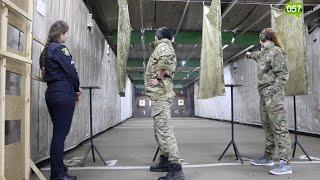 В Харькове женщины-полицейские соревновались в умении стрелять