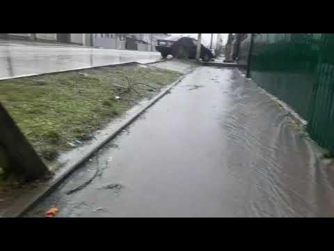 Пятиминутный ливень в первый день весны в Новороссийске. ул. Дзержинского/Снайпера Рубахо