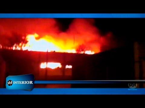 Incêndio destrói supermercado em Rio Preto
