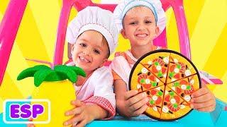 Vlad y Nikita juegan un restaurante y entregan platos de juguete