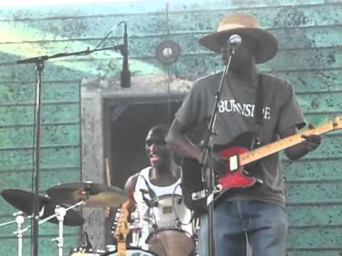Poor Black Mattie-Cedric Burnside Project (Waterfront Blues Festival, Portland, OR-7/8/12)