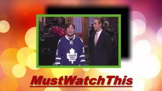 snl host ryan gosling duets with mike myers on canadian christmas carol