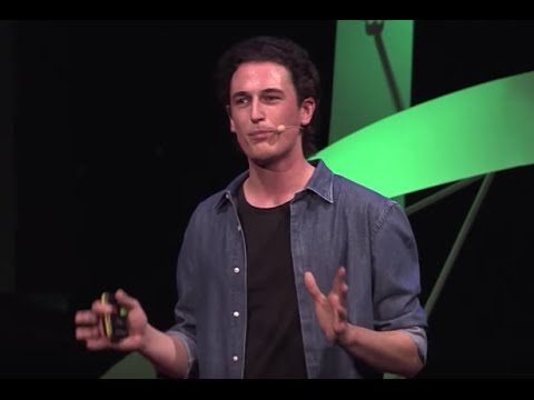 Silk leaf: revolutionising our urban environment | Julian Melchiorri | TEDxCibeles