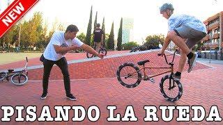 ENSEÑO UN NUEVO TRUCO DE BMX A MI HERMANO - Intenta el Footjam Whip!! thumbnail
