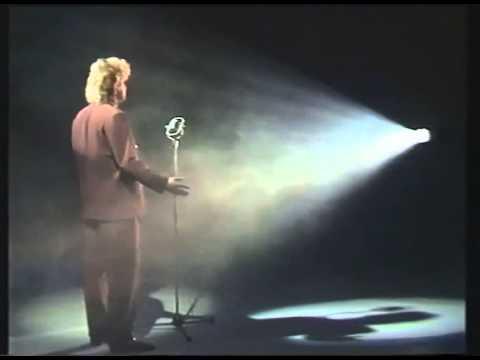 Ari Klem - Pieni Nukke Levyraati musiikkivideo