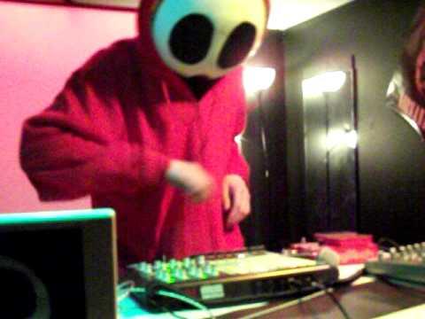 DJ Shy Guy Says - Speed of Sound 040