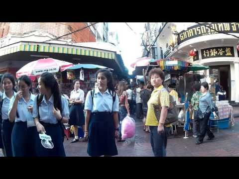Walking Sampeng Market in Chinatown Yaowarat Road