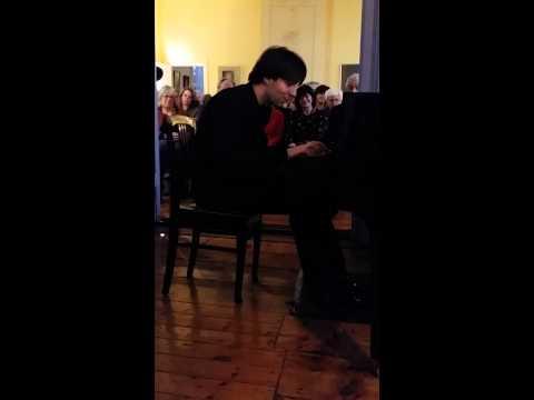 Vassilis Varvaresos: piano improv