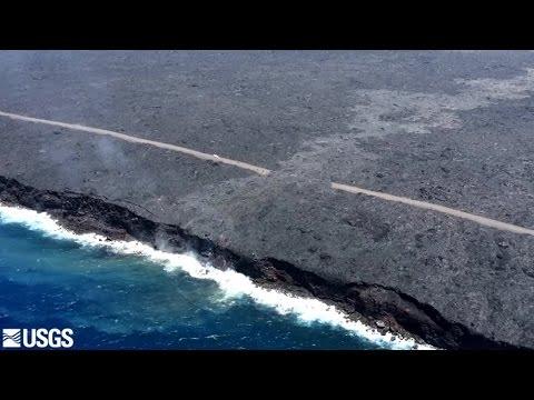 Kilauea lava enters ocean (Video: Hawaiian Volcano Observatory)