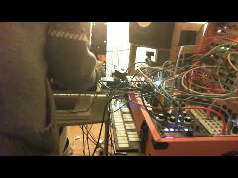 the analog therapy: in deph into mescaline (modular synth on the fly)