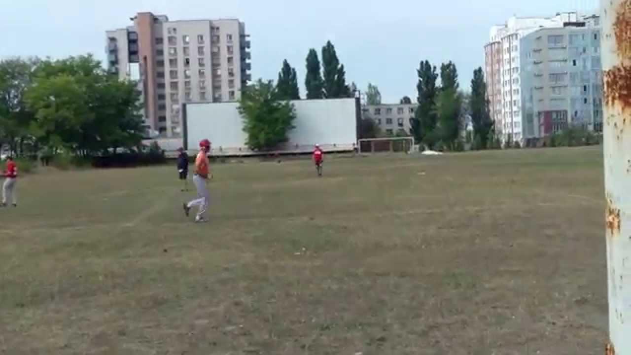 Joacă baseball fără public pe stadionul Studenților