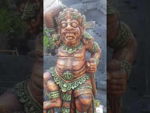 paint antique sculpture in bali