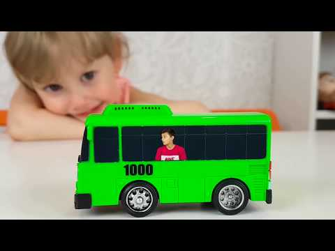 Tiny Kids learn colors with The Wheels on The Bus Nursery Rhymes Song for kids babies