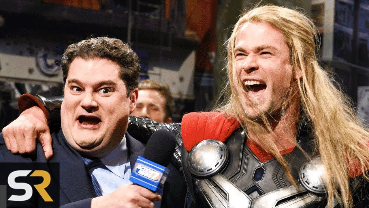5 Times Chris Hemsworth Played Thor Outside The MCU