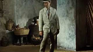 """""""Чей туфля?"""" -- Кавказская пленница"""