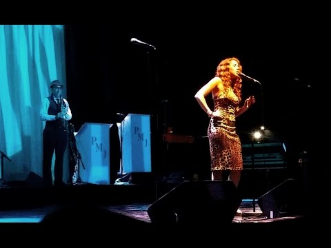 "Haley Reinhart & Postmodern Jukebox ""Habits"" at the O2"