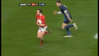 Mark Jones nearly scores one of the greatest individual tries