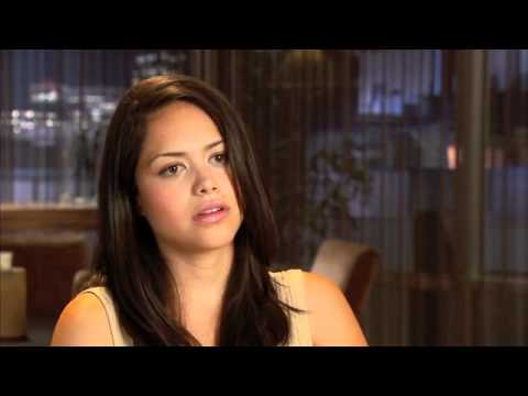 ALYSSA DIAZ Talks Nine Lives Of Chloe King!