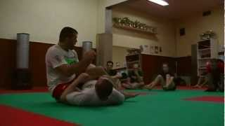 Dean Lister technique: how to switch your mount into a kneebar