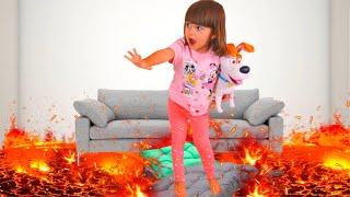 Пол это лава | Мама и Арина играет в игру The Floor is Lava