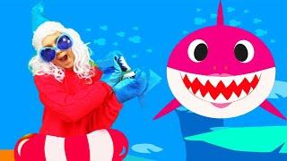 Baby Shark Christmas   Canción Infantil   Canción de Color   Canciones Infantiles con Alex y Nastya