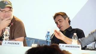 Joaquin Phoenix pissed off at venice film festival