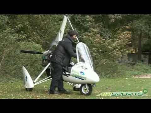 Microlight flight London to Sydney - Air sports stunts and records