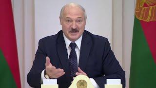 Лукашенко: Анекдот про Жириновского и вирус! Приходит Володя домой и говорит жене...