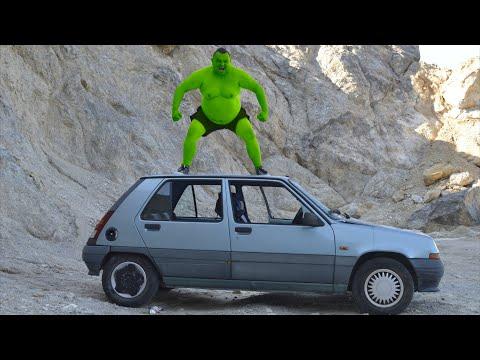 Hulk VS Little Car