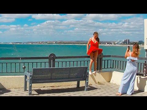 #Анапа 2020 Купание в море Запрещено! Но всем пофиг. Сильный ветер. Порт закрыт. 09 июля 2020