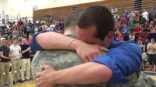 Repeat youtube video Soldiers Coming Home Surprise Compilation 28